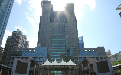 信實公司於108年6月16日起續接新北市政府行政園區環境清潔維護工作