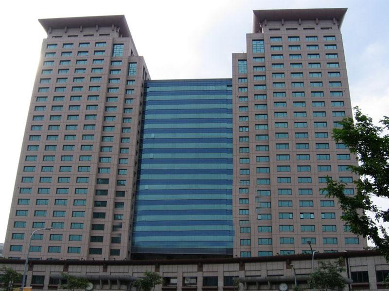 信實公司承接新北市政府行政大樓暨市民廣場地面層機電設備維護保養