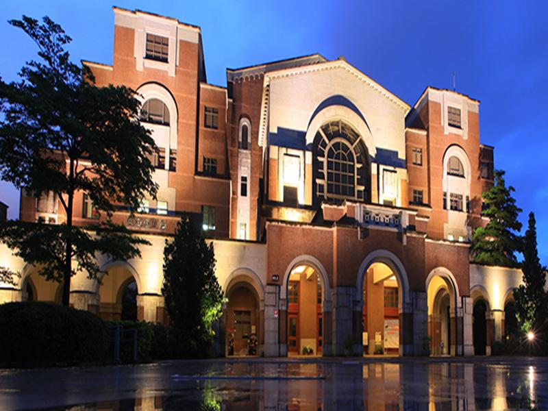 信實公司於107年1月1日起承接國立臺灣大學107年圖書館、校史館及人類學博物館清潔服務及環境美化作業案