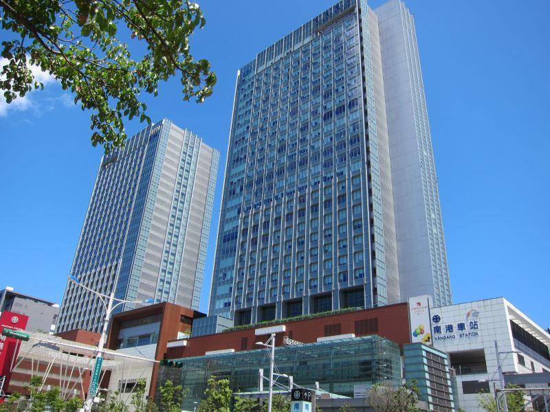 信實公司於108年7月1日起承接台灣高速鐵路股份有限公司-高鐵南港車站清潔服務案
