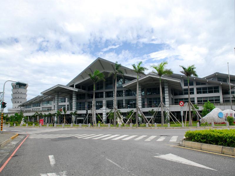 信實公司於109年1月1日起承接交通部民用航空局花蓮航空站清潔維護勞務採購案